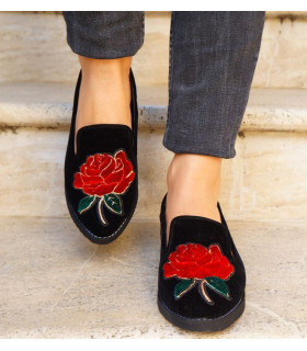 Red Roses Ballerinas
