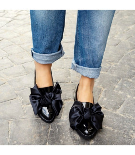 Black Bow Ballerinas
