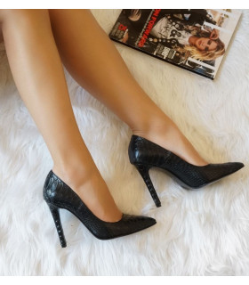Perfect Black Stiletto