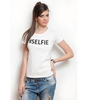 &quot SELFIE &quot T-shirt