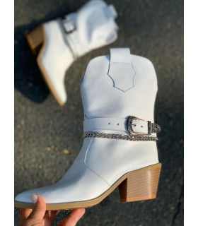 Milky Mousse Boots